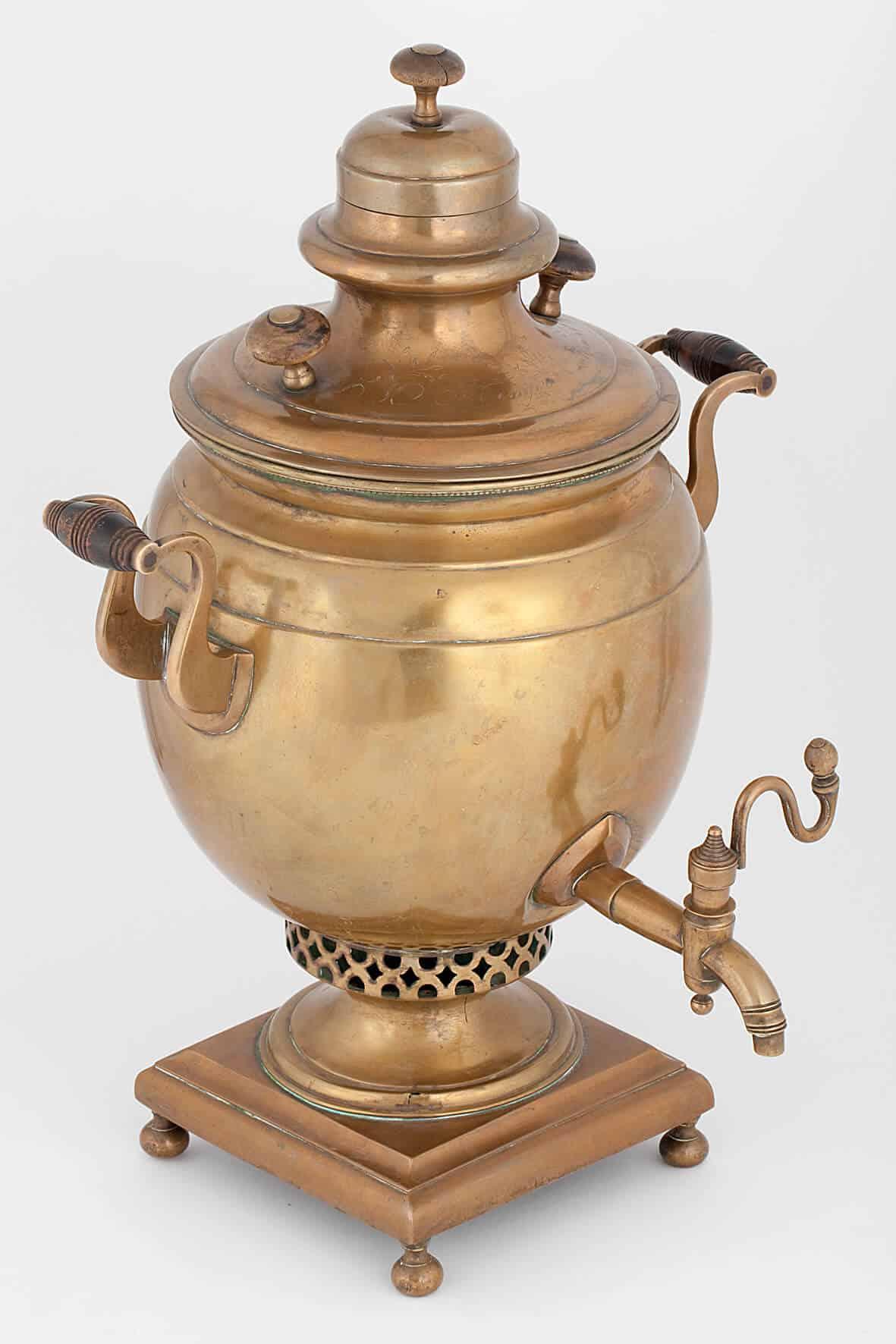 КБ 422 | Самовар яйцевидный с гравировко | Музей самоваров и бульоток