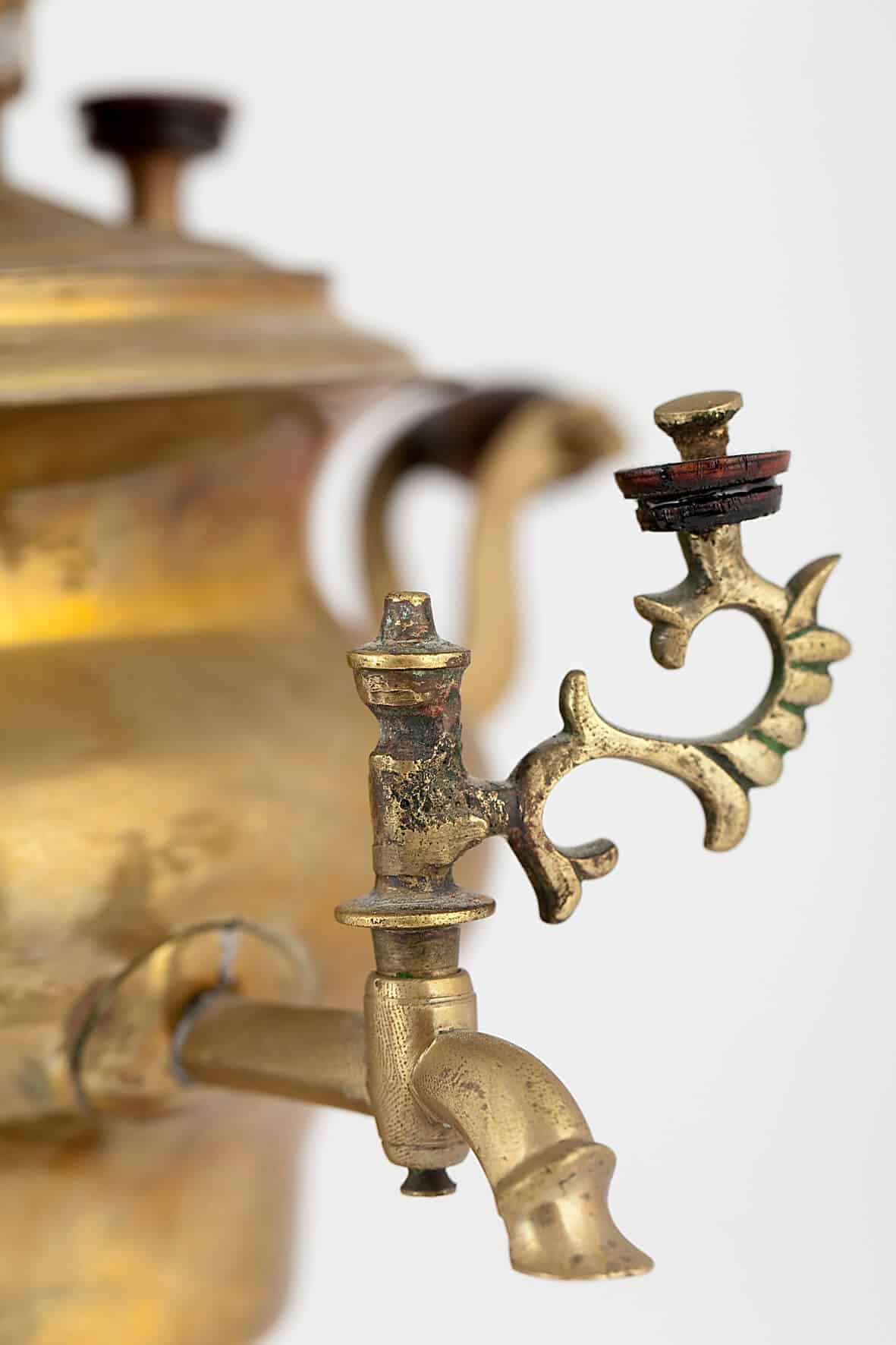 KB 364 | Toy samovar-vase