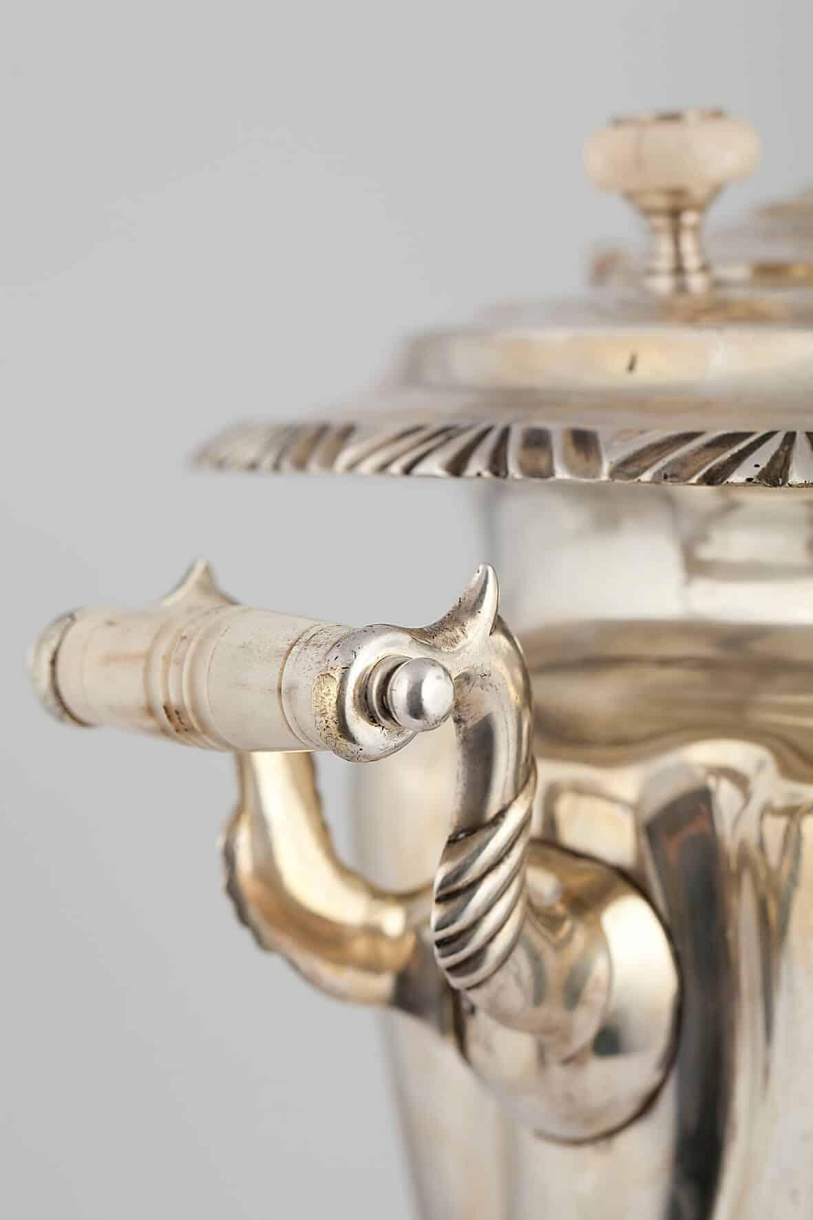 КБ 468 | Самовар-рюмка с витыми овалами | Музей самоваров и бульоток