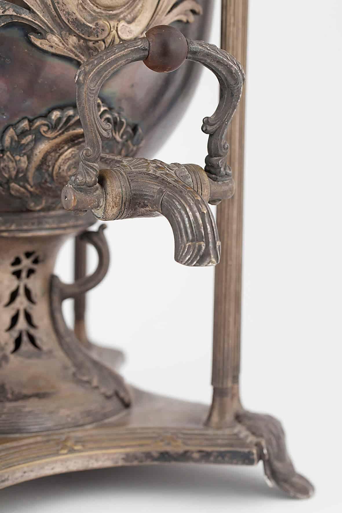 КБ 479 | Самовар-ваза с вертикальными стойками | Музей самоваров и бульоток