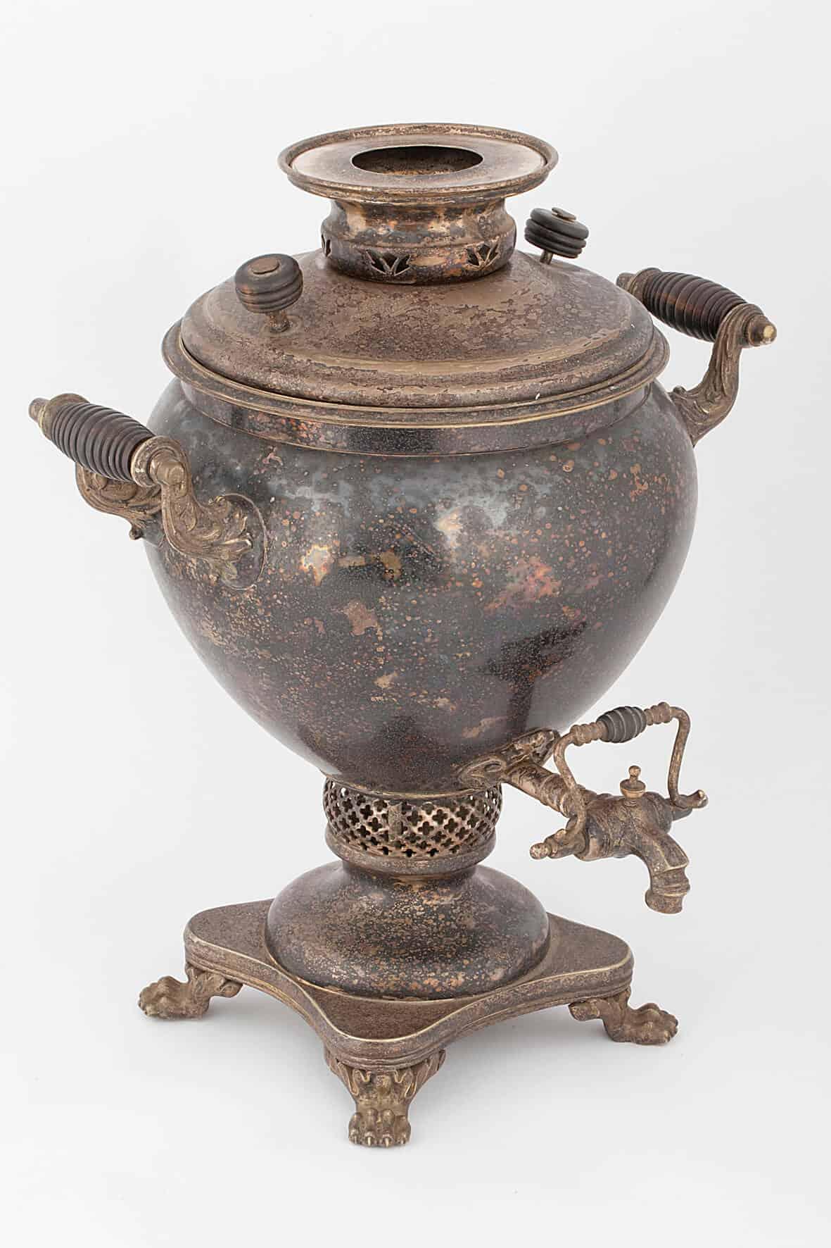 КБ 492 | Самовар ваза с фигурными ножками | Музей самоваров и бульоток