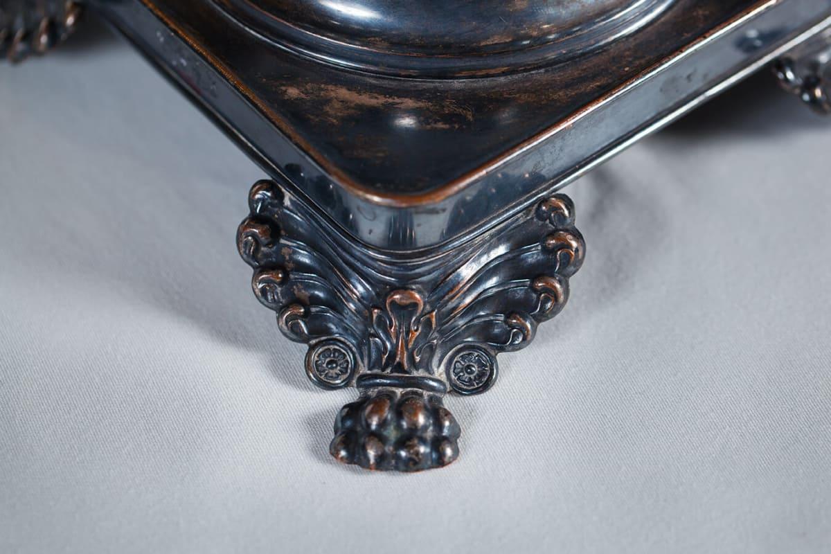 КБ 576 Самовар-ваза квадратная с высокими фигурными ручками