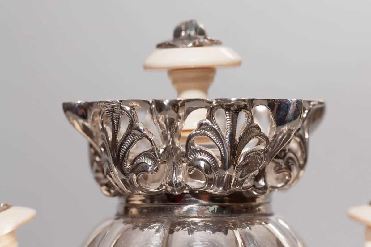 KB-586 | Samovar vase with openwork crown