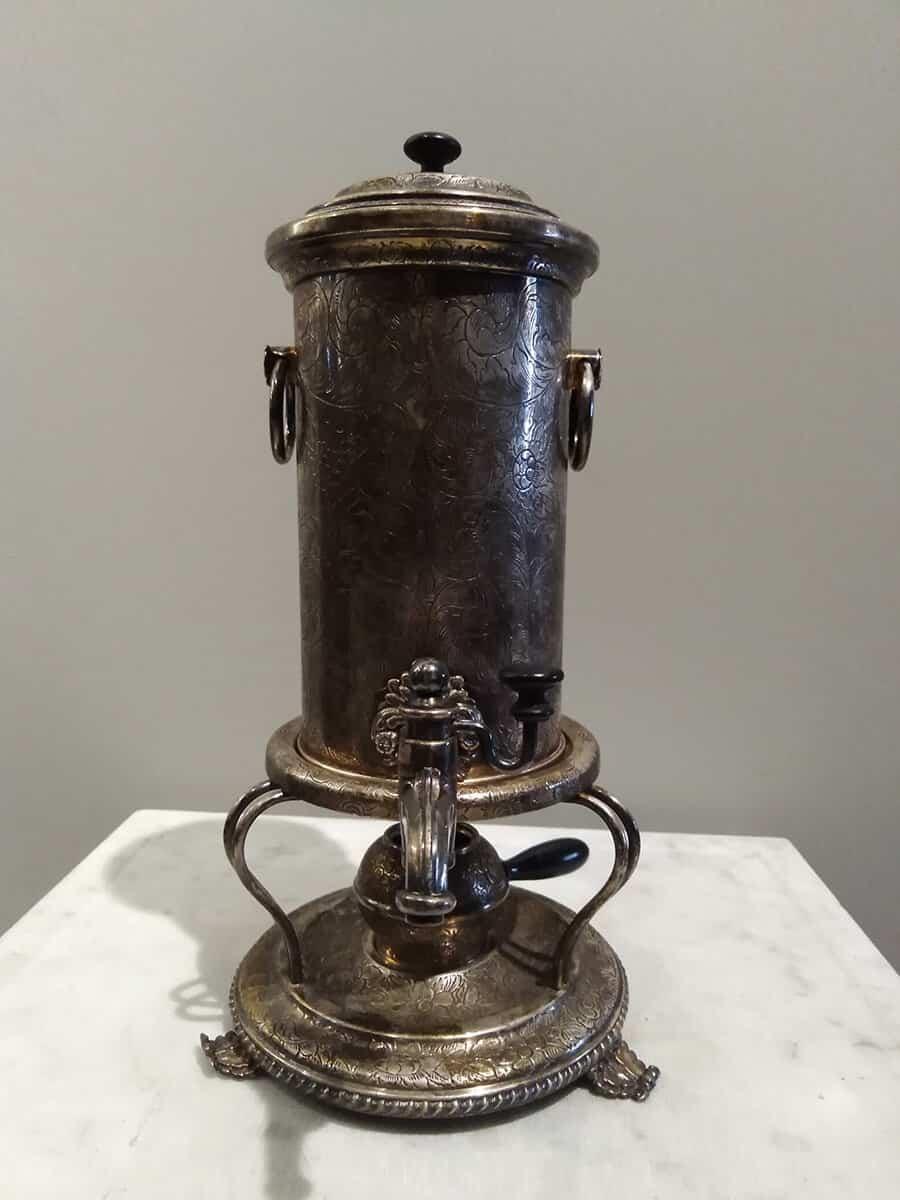 Самовар-кофейник, Российская империя, середина XIX в. Из коллекции Музея самоваров и бульоток