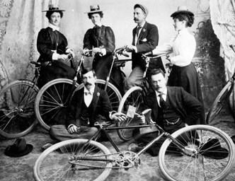 Велосипедисты. Фото нач. ХХ в.