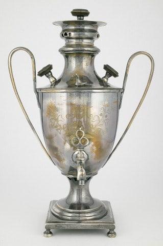 Самовар ф-ки П. Силина. 1825 г. из коллекции Музея самоваров и бульоток