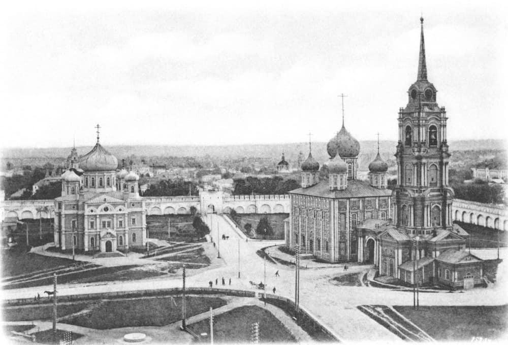 Общий вид тульского Кремля. Слева – Богоявленский собор. Фото нач. ХХ в.