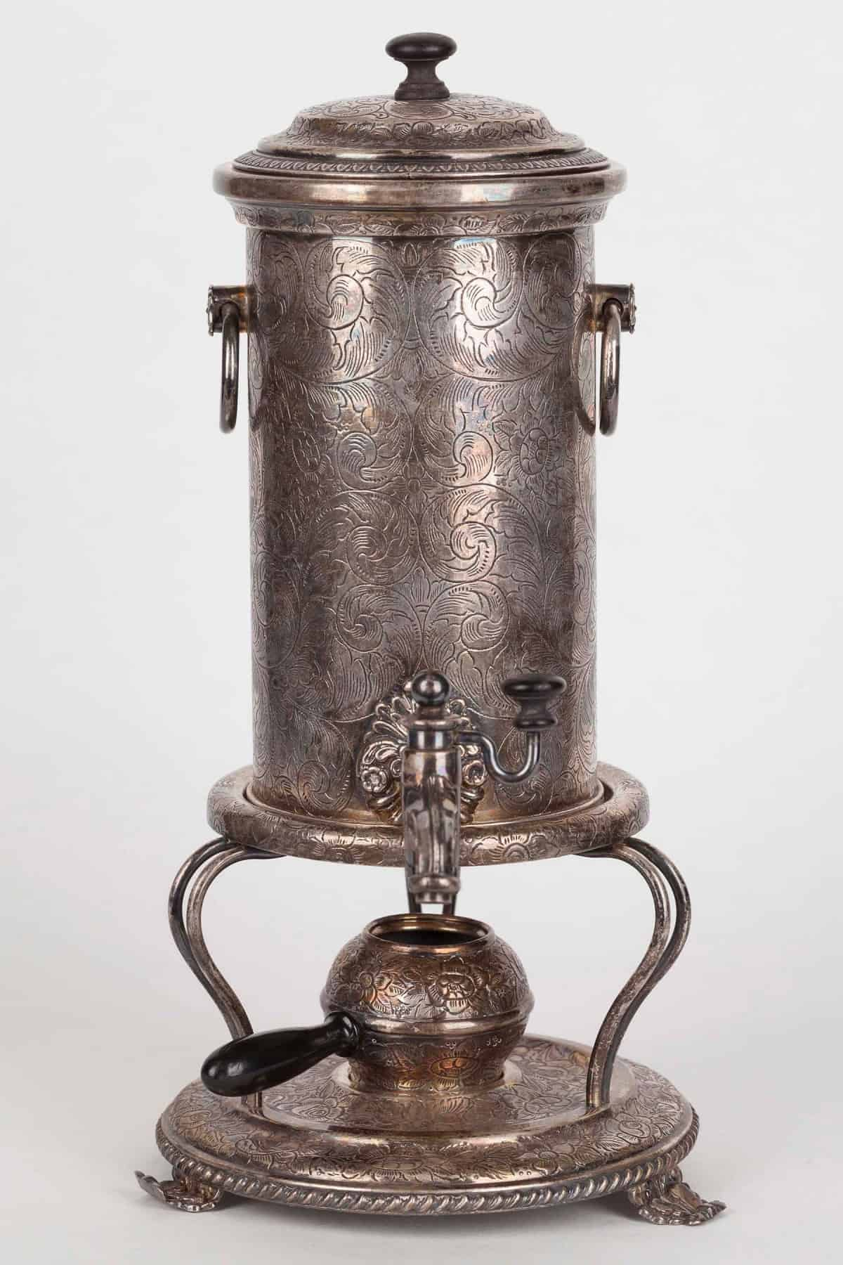 KB 587 Bouillotte-coffeepot with floral ornaments