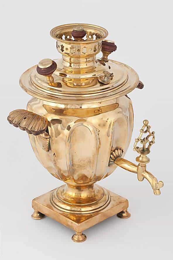 Самовар-ваза фабрики И. Г. Баташева. Из коллекции музея самоваров и бульоток