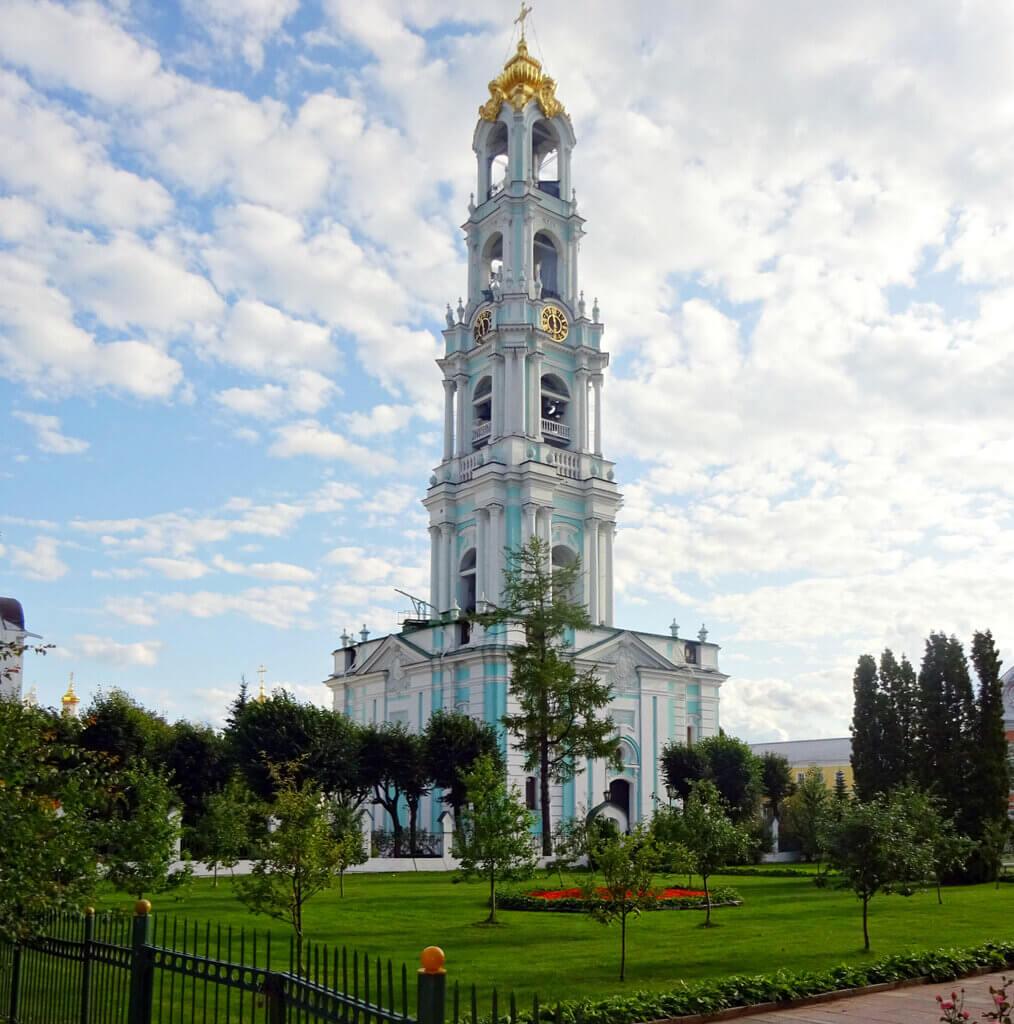 Колокольня в Свято-Троицкой Сергиевой лавре. Фото 2010-х гг.