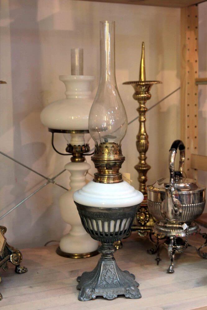 Керосиновые лампы с фарфоровой колбой